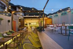 Rooftop bar tem charme e cardápio contemporâneo