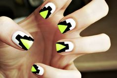 Neon nude black Aztecy geographicy Vs - so many nail trends in one design!