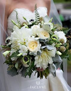Romantic whites with lots of texture for Fall! Bouquet by Carolyn Valenti Photo by Jaclyn L Photography