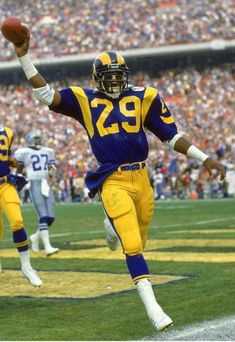 Nfl Football Players, Football Is Life, Football Memes, Eric Dickerson, Sneakers Box, La Rams, Record Holder, Running Back, Sports Pictures