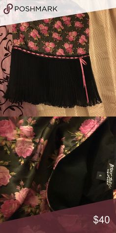 Betsey Johnson rose print silk skirt Silk rose pink black skirt! Crimp chiffon a on bottom with a silk pink ribbon bow around the material for a more flirty girly look😊👗👠😊 Betsey Johnson Skirts