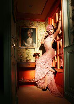 Lory Ladiabolika ha posato per un grande fotografo francese, Christophe Mourthé, ed è ritornata un po' al suo primo amore: posare sul set.   Lilac PhotoMagazine Cover Editorial - june 2016 issue 38  www.lilacphotomagazine.com  Photography | Christophe Mourthé  www.christophemourtheartphotography.com  Design | Make-Up | Hairstyling | Modeling Ladydiabolika  www.ladydiabolika.com  #cover #editorial #magazine #photomagazine #christophemourthè #ladydiabolika #paris
