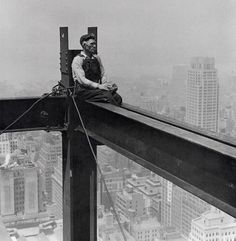 New York construction workers at insane heights, 1920′s and 30′s