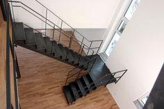 Schwarte Stahltreppe ohne Gitterroststufen