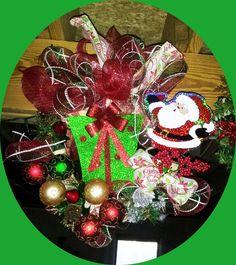 Santa and Gift Wreath
