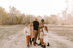Papanikolas Family — Idaho Wedding and Family Photographer Family Photos What To Wear, Family Photos With Baby, Winter Family Photos, Family Maternity Photos, Fall Photos, Family Photo Colors, Family Photo Outfits, Outdoor Family Photography, Outdoor Family Photos