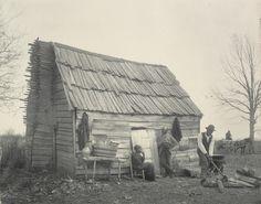 Frances Benjamin Johnston. The old-time cabin. 1899-1900