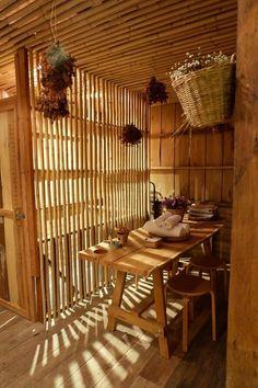 Baan rai i arun. - dezdemon-home-decor-ideas. Cafe Interior, Interior Design Living Room, Bamboo House Design, Bamboo Building, Philippine Houses, Bamboo Architecture, My Ideal Home, Asian Home Decor, House In The Woods