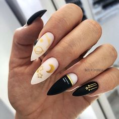 35 cool Designs for black and white Nails You Won't Resist nails;black and white nails;matte black nails Many women … Nail Swag, Best Acrylic Nails, Acrylic Nail Designs, Stylish Nails, Trendy Nails, Nails Ideias, Grunge Nails, Striped Nails, Fire Nails