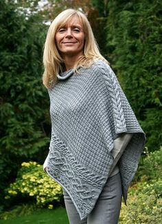 Ponchos are the ultimate timeless classic! Knit your own from our glorious range of poncho knitting patterns! Poncho Shawl, Knitted Poncho, Knitted Shawls, Poncho Knitting Patterns, Knit Patterns, Free Knitting, Knit Or Crochet, Crochet Shawl, Creation Couture