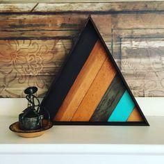 Wood Lath Diamond Triangle w/a hint of blue Wooden Wall Art, Diy Wall Art, Wood Wall, Diy Tableau, Timber Walls, Triangle Art, Wood Mosaic, Pallet Art, Wood Lathe