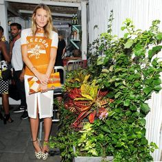 What's cooler than Dree Hemingway's cool-girl take on a pencil skirt with a vintage-feeling tee and printed heels?