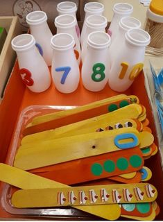 Most up-to-date Snap Shots preschool curriculum math Suggestions Out of discovering exactly what seems words produce in order to checking to toddler concerns discovery. Maths Eyfs, Math Classroom, Classroom Activities, Toddler Activities, Learning Activities, Numeracy, Montessori Math, Preschool Curriculum, Kindergarten Math
