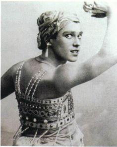 Vaslav Nijinsky height of fame Russian Ballet. Ballet School, Ballet Class, Rudolf Nureyev, George Balanchine, Markova, Russian Ballet, Shall We Dance, Ballet Costumes, Ballet Dancers