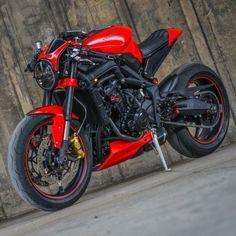 Image may contain: motorcycle Triumph Cafe Racer, Cafe Racer Bikes, Cafe Racer Build, Moto Bike, Cafe Racer Motorcycle, Street Fighter Motorcycle, Cbx 250, Motos Retro, Xjr 1300