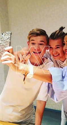 Take a selfi Best Backrounds, You Are My Life, I Go Crazy, Love U Forever, Twin Boys, Back Off, Loving U, Greece, Have Fun