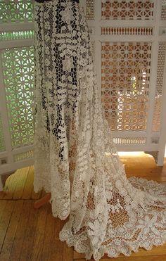 Circa 1900, Superb Irish Crochet Skirt