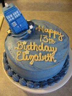 DR WHO TARDIS 12 PLASTIC CAKE TOPPERS CUPCAKES POLICE BOOTH BIRTHDAY