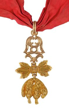 Order of the Golden Fleece (Spanish) — Badge from an important European family (French work, late 18th or early 19th century ; gold & enamels ; 81 x 43 mm - 52,45 grams) [reverse] CLICK FOR LARGER PICTURE http://www.interencheres.com/fr/meubles-objets-art/de-dianous-dard-vente-de-decorations/ordre-de-la-toison-d-or-bijou-de-chevalier-de-la-branche-espagnole-ie_v83466/7373056/num