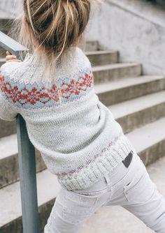 45 Ideas Knitting Sweaters For Children Little Girls Fair Isles How To Start Knitting, Knitting For Kids, Knitting For Beginners, Baby Knitting, Fair Isle Knitting, Knitting Socks, Knitted Hats, Fair Isles, Loom Knitting Patterns