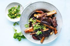 Low Carb Recipes To The Prism Weight Reduction Program Balsamic Simmered Short Ribs The New Easy, Photography By William Meppem Braised Short Ribs, Beef Short Ribs, Beef Ribs, Braised Beef, Roast Beef, Pot Roast, Rib Recipes, Dinner Recipes, Cooking Recipes