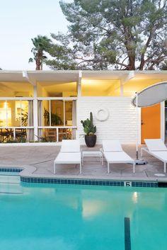 The Amado - Mid Century Modern Hotel in Palm Springs - Dwell Palm Springs Houses, Palm Springs Style, Modern Pools, Concrete Patio, Mid Century House, The Ranch, Modern Architecture, Facade, Villa