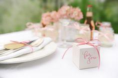 Gastgeschenk Vintage present by Williams & Gauld - Design. Wedding. Events.
