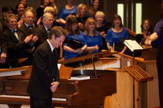 Our fabulous accompanist, music director of UUCF/UUCF Chorale, Mark Vogel takes a bow.