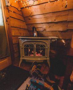 1,366 отметок «Нравится», 14 комментариев — Cabin Story (@cabinstory) в Instagram: «Photo by @brigitte.gil  #CabinStory | Tag a Friend» Home Appliances, Cabin, Wood, Instagram Posts, Home Decor, House Appliances, Decoration Home, Woodwind Instrument, Room Decor