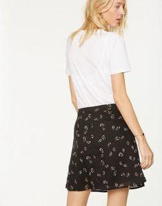 Gessa Small Pepper Rose Rock Schwarz aus Tencel #veganemode #fairfashion #veganfashion Skater Skirt, Pepper, Organic, Skirts, Shopping, Fashion, Vegan Fashion, Dress Skirt, Summer