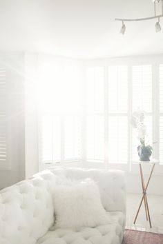 modern and crisp white sofa httpwwwstylemeprettycomliving2016080925 white hot sofas that totally steal the show photography lauryn evarts