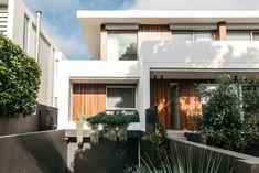 Dover Heights Australian Garden Design, Australian Native Garden, Contemporary Garden Design, Australian Homes, Backyard Pool Designs, Backyard Ideas, Garden Ideas, Outdoor Ideas, Backyard Retaining Walls