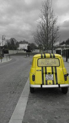 """Renault 4 """"Quatrelle""""""""  Fabien Moëne Photography  @Het Frankrijk Huis"""