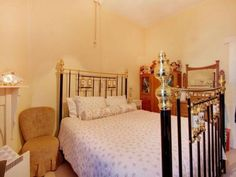 Elphin bedroom 1