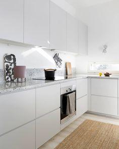 grey kitchen designs Kitchens SAMS in Feather Grey. Our kitchens are designed to fit IKEA METOD and FAKTUM cabinet frames. Grey Kitchen Designs, Kitchen Room Design, Kitchen Interior, Kitchen Decor, Grey Kitchens, Cool Kitchens, Voxtorp Ikea, Ikea Metod Kitchen, Skandi Kitchen