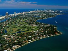 Looking south to South Beach with Biscayne Bay and the Atlantic Ocean.
