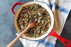 French Onion Lentils — The Balanced Homebody #lentils #healthy #cook #Lentil #lentilrecipe #healthyeating #healthy #lifestyle #cleaneating #veganfood #nutrition #vegan #food #foodie #healthylifestyle Pea Recipes, Lentil Recipes, Whole Food Recipes, Dried Lentils, Clean Eating, Healthy Eating, Plant Based Protein, French Onion, Meal Planner
