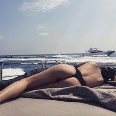 Here's How Selena Gomez Handled Her Body-Shamers