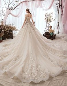 Renaissance Wedding Dresses, Fantasy Wedding Dresses, Beautiful Wedding Gowns, Princess Wedding Dresses, Bridal Dresses, Beautiful Dresses, Gown Dress With Price, Dark Teal Bridesmaid Dresses, Wedding Dress Sleeves