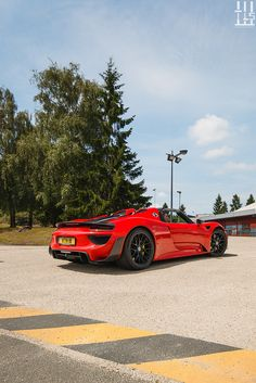The Porsche 918 Spyder is a Hybrid supercar with a limited production of 918 units that ended in The car is available as a coupe and as roadster. Maserati, Bugatti, Lamborghini, Ferrari, Luxury Hybrid Cars, Luxury Cars, Porsche 918, Porsche Cars, Jaguar