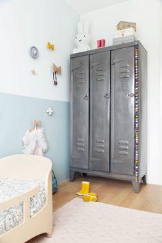 Habitación infantil de estilo nórdico para niña