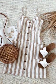 Summer's favorite striped beige sundress is here. Picture yourself soaking up the sun in this beach day look. Style with white sandals and a woven bag for a classic summer outfit. Boho Outfits, Spring Outfits, Dress Outfits, Casual Dresses, Casual Outfits, Fashion Outfits, Summer Dresses, Maxi Dresses, Classy Outfits