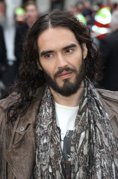 Russell Brand, Stand Up Comedy, Man Humor, Jon Snow, Beautiful People, Funny Men, Rockets, Celebrities, Sexy