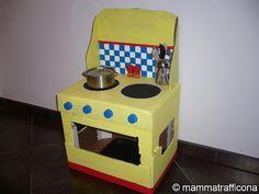 Giochi fai da te: la cucina di cartone    - MAMMATRAFFICONA