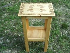 woodburning designs into a small table top - so many possibilities ~ by DragonOak #DIY #craft #woodburning