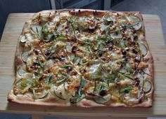 You have to try this: goat´s cheese and pear pizza Pear Pizza, Vegetable Pizza, Quiche, Goat, Cheese, Vegetables, Breakfast, Recipes, Blog