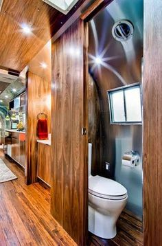 Gorgeous Airstream Renovation Tour Before And After Remodel (51) Rv Bathroom, Airstream Bathroom, Washroom, Bathroom Remodelling, Bathroom Ideas, Airstream Living, Caravanes Airstream, Vintage Airstream, Airstream Interior