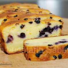 Prajitura cu Afine Romanian Desserts, Romanian Food, Delicious Deserts, Yummy Food, Pastry Cake, Sweets Recipes, Sweet Bread, Cakes And More, Food To Make