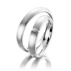 Pair of classic wedding rings / wedding rings in white gold 585 with a total of ct. Brilliant tw, si by Steinberg Couples Ring Tattoos, Partner Tattoos, Couple Ring Design, Classic Wedding Rings, Couple Rings, Promise Rings, Ring Designs, Wedding Bands, Jewelery