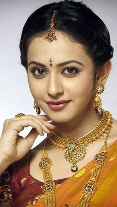 Rakulpreetsingh Beautiful Girl Indian, Most Beautiful Indian Actress, Beautiful Saree, Most Beautiful Women, Beautiful Children, Beautiful Bollywood Actress, Beautiful Actresses, Beauty Full Girl, Beauty Women